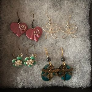 Jewelry - Gorgeous Hanging Earrings